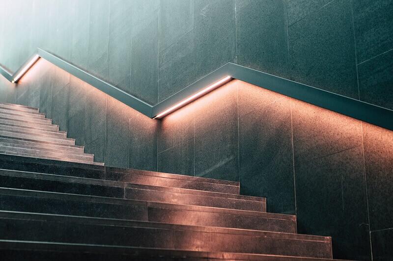oswietlenie schodowe zasady planowanie