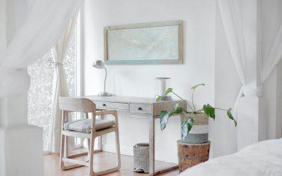 nowoczesne aranzacje salonu lampami stojacymi 400x250